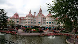 Walt Disney to expand Paris amusement park