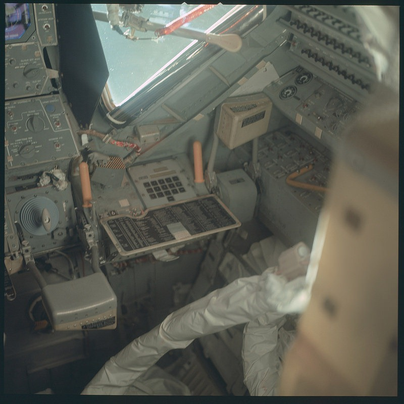 apollo-mission-images-13