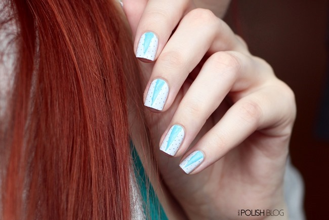 Triangle-Micro-Dot-Nail-Art-2