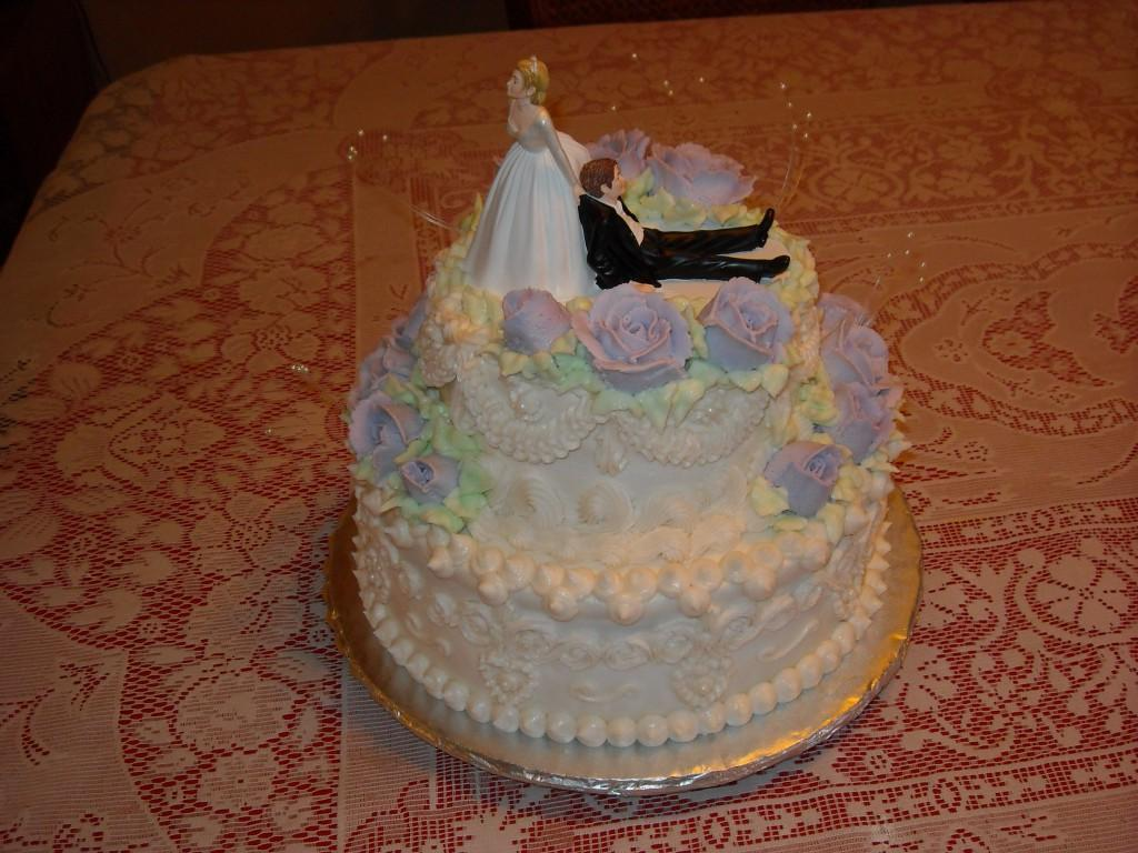 Two Tier Wedding Cake2