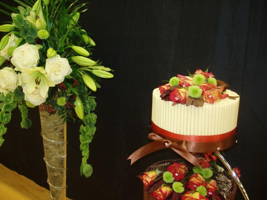 Wedding Cakes. 43 images