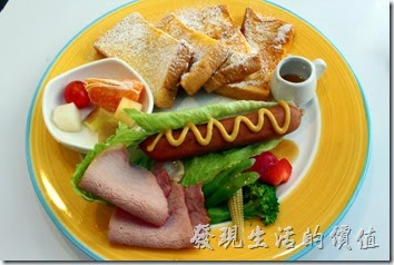 [台南]白色曙光(Light)全天早午餐,藍白風格。香榭漫遊早午餐