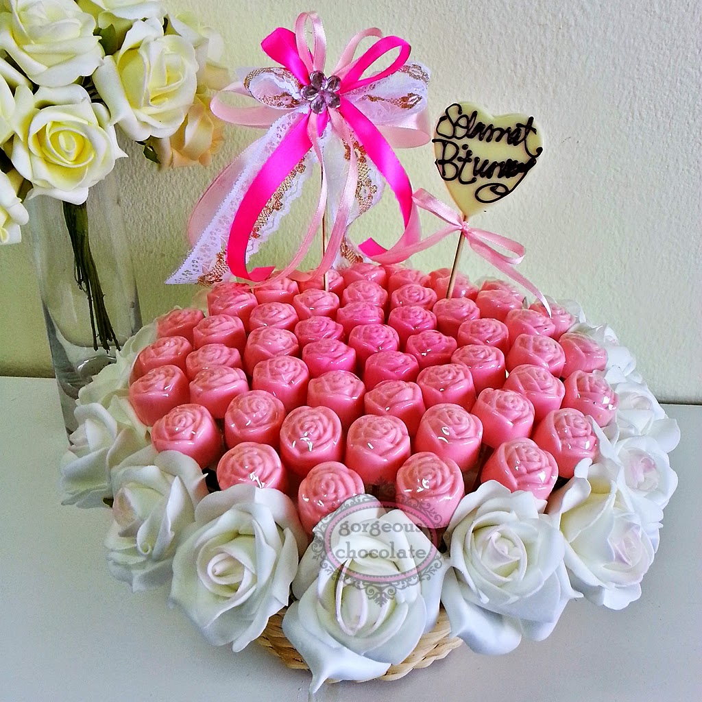 My Gorgeous Homemade Chocolate: Pink Rose Bouquet in Basket