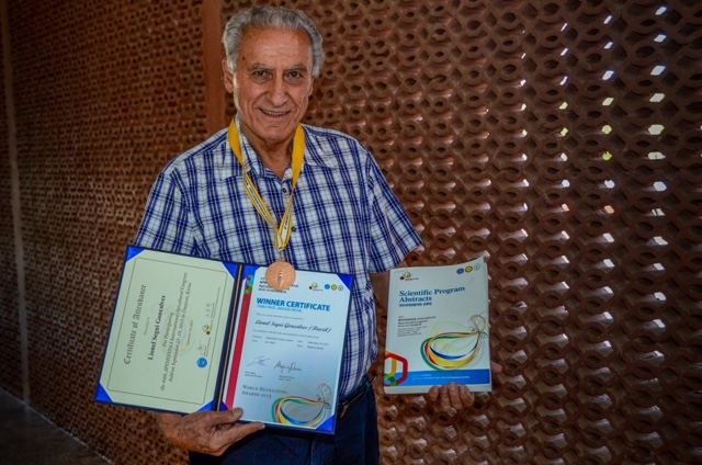 Ufersa: Pesquisador ganha prêmio internacional por campanha em defesa das abelhas