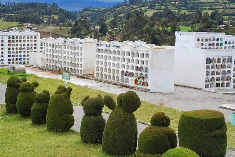 topiary-cemetery-tulcan-10
