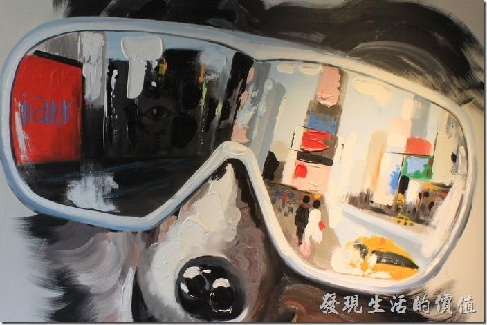 台南-A Week-Pancake-Coffee早午餐。其實這幅畫像的重點應該是狗狗的太陽眼鏡,因為大部分的細節都在其反射出的鏡像。