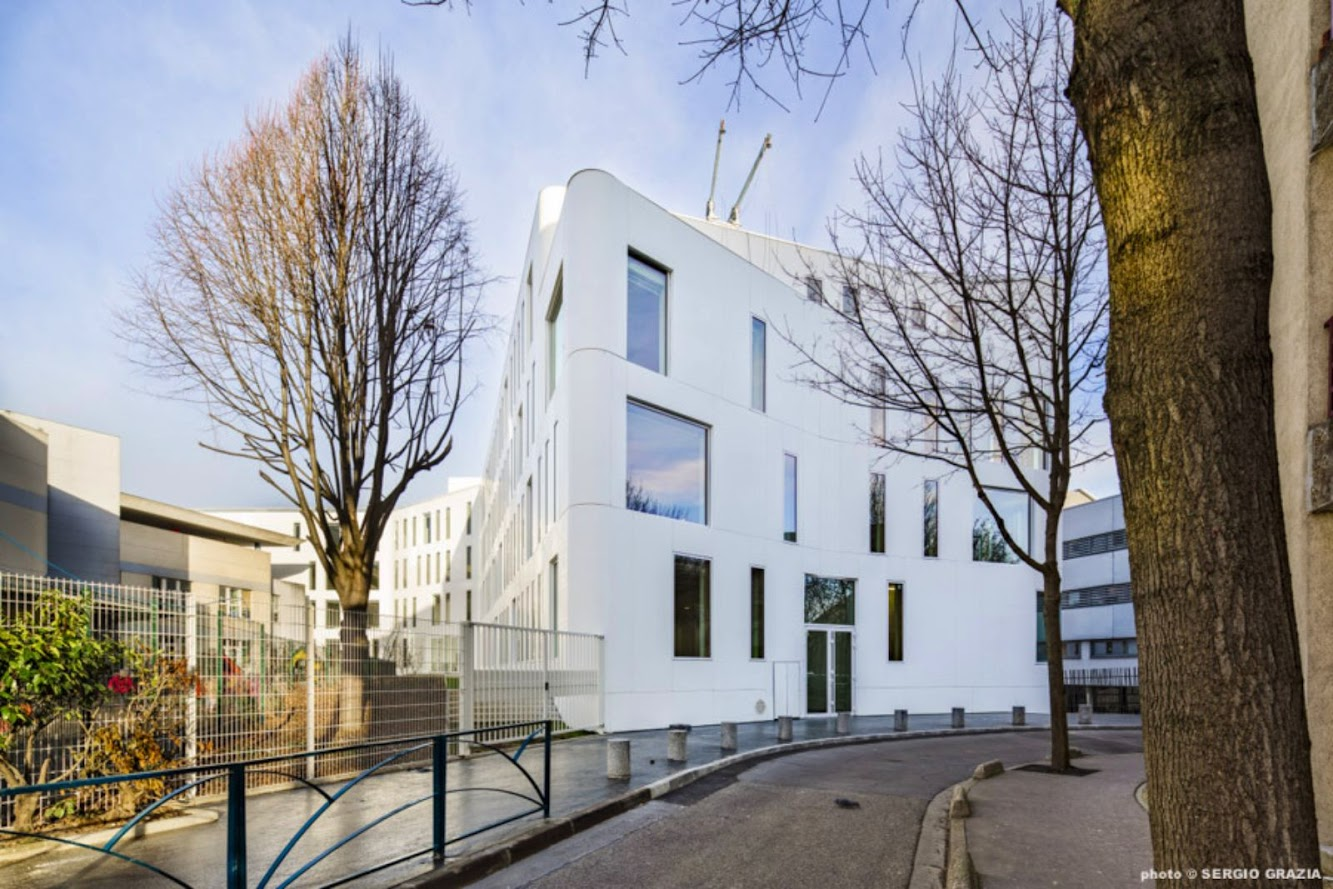Positive energy Building by Fassio Viaud Architectes