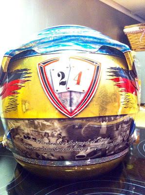 специальный дизайн шлема Тимо Глока на Гран-при Сингапура 2011 - вид сзади