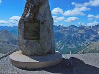 Der Col de la Bonette (2715 m). Oben bei der Ringstraße um den la Bonette ein in jede Blickrichtung sehr beeindruckendes Gebirgspanorama.