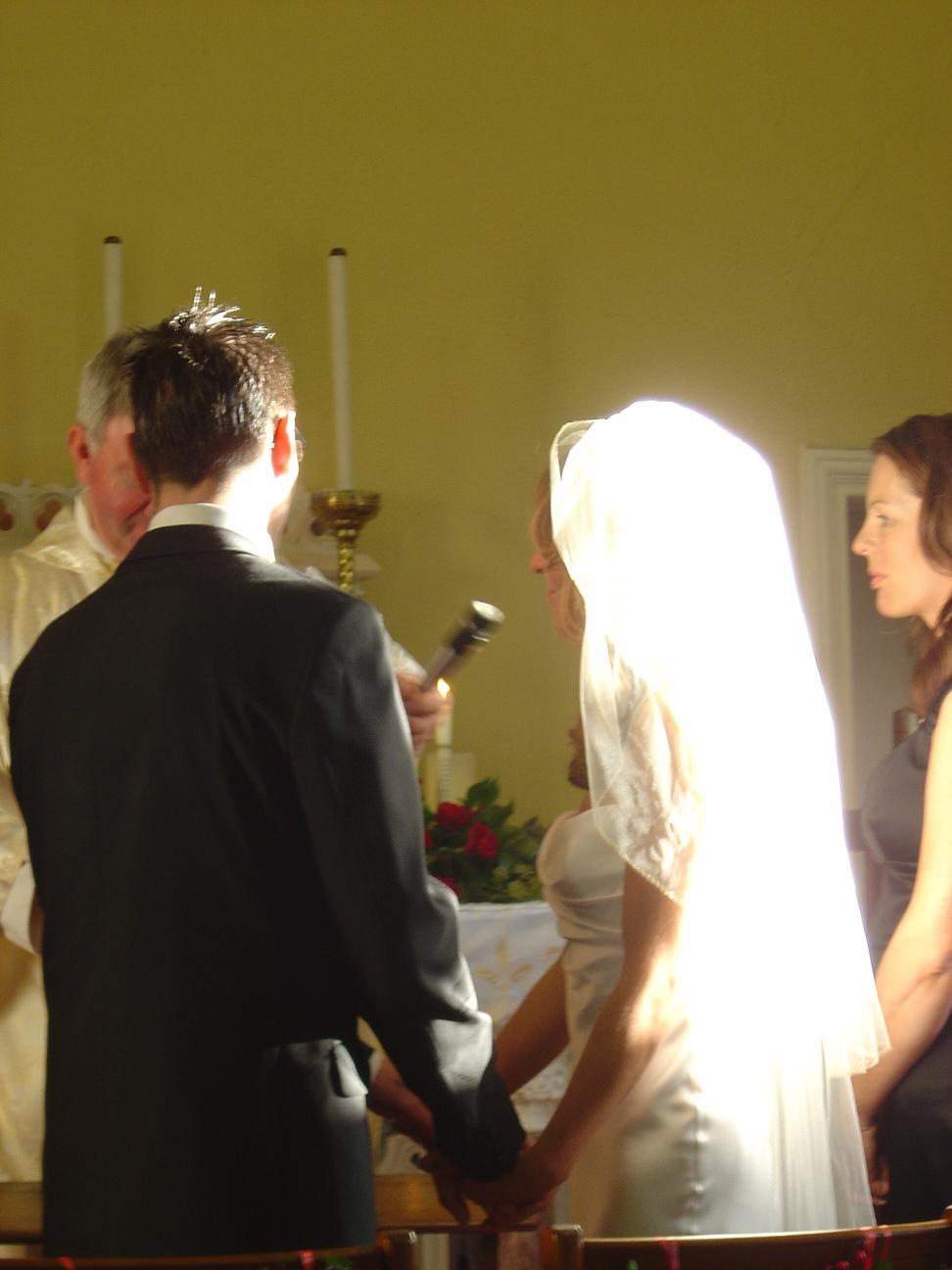 Album: 2006-12-Peter-and-Niamhs-Wedding: wicklow church 32
