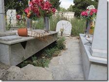 Una voragine nel cimitero di Miano