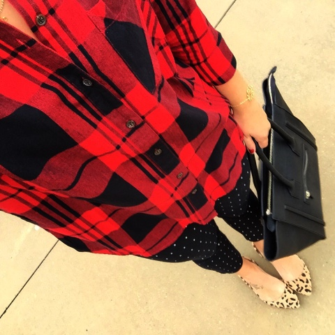 how to mix patterns, mom style, buffalo plaid shirt