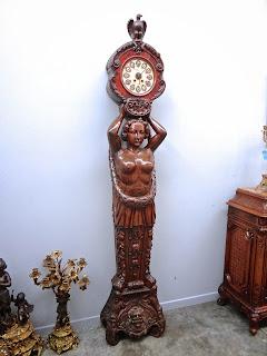 Резные напольные часы ок.1860 г. Высота 228 см. 6900 евро.