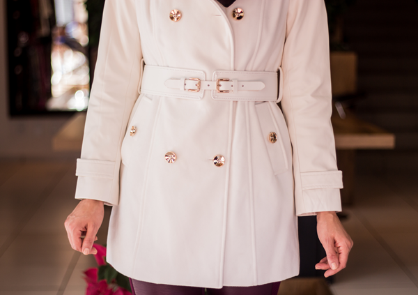 Look sobretudo branco e calça legging courou (8)