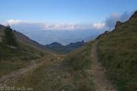 Beim Albergo Rifugio Graziani am Fusse des Monte Altissimo. Blick nach Westen ins Tal der Etsch.