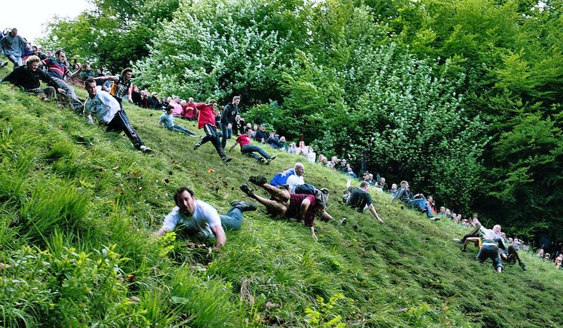 cooper-hill-cheese-rolling-18