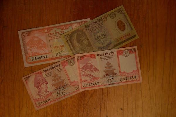 деньги непал