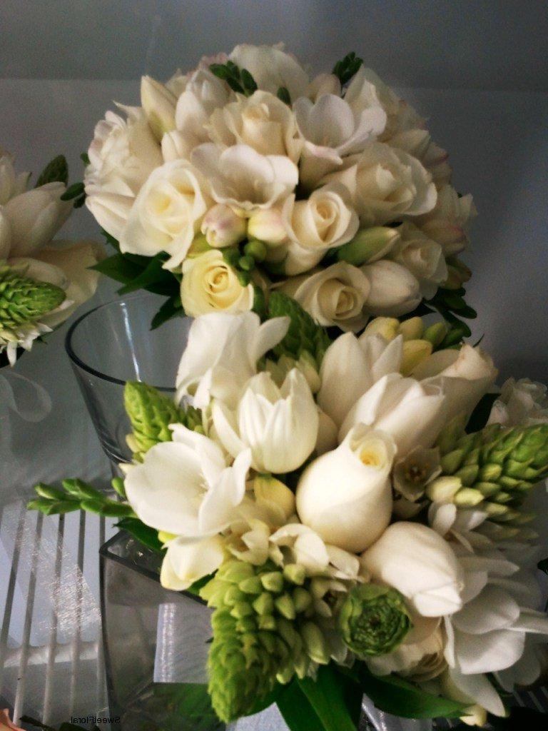 bridesmaids arm bouquets