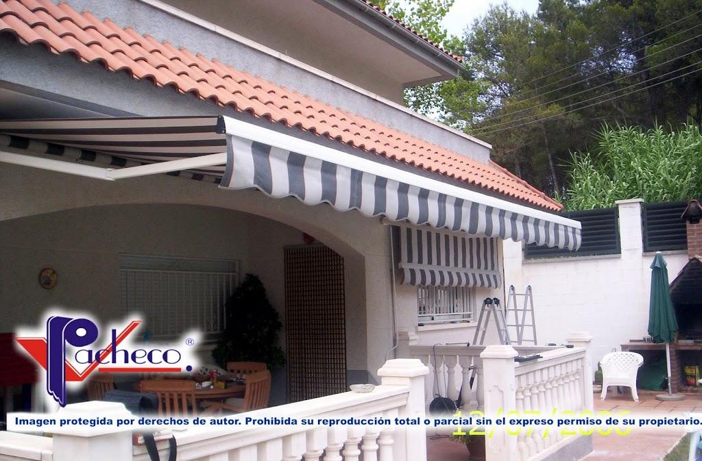 Sistemas de toldos para patio o jard n en benferri for Reparar brazo de toldo