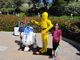 Eidan and Naomi with R2D2 and C3PO
