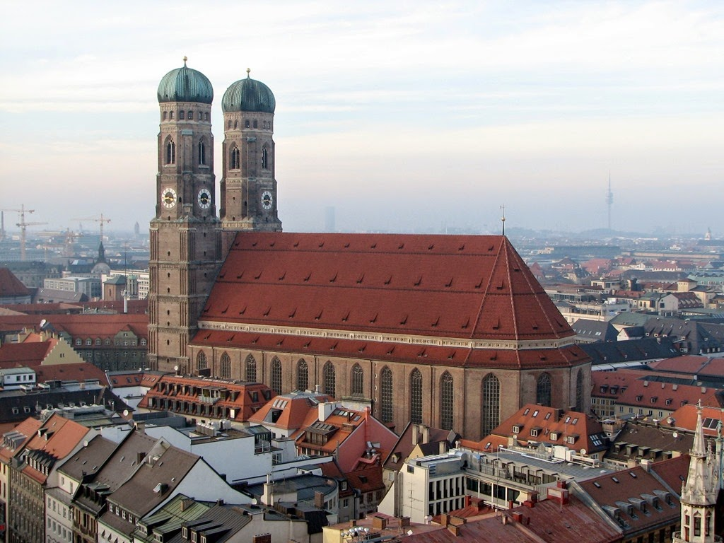 [Frauenkirche_M%25C3%25BCnchen_as_seen_from_St._Peter%255B3%255D.jpg]