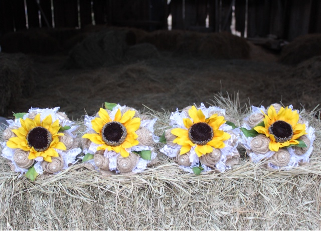 burlap and sunflower bridesmaid flowers