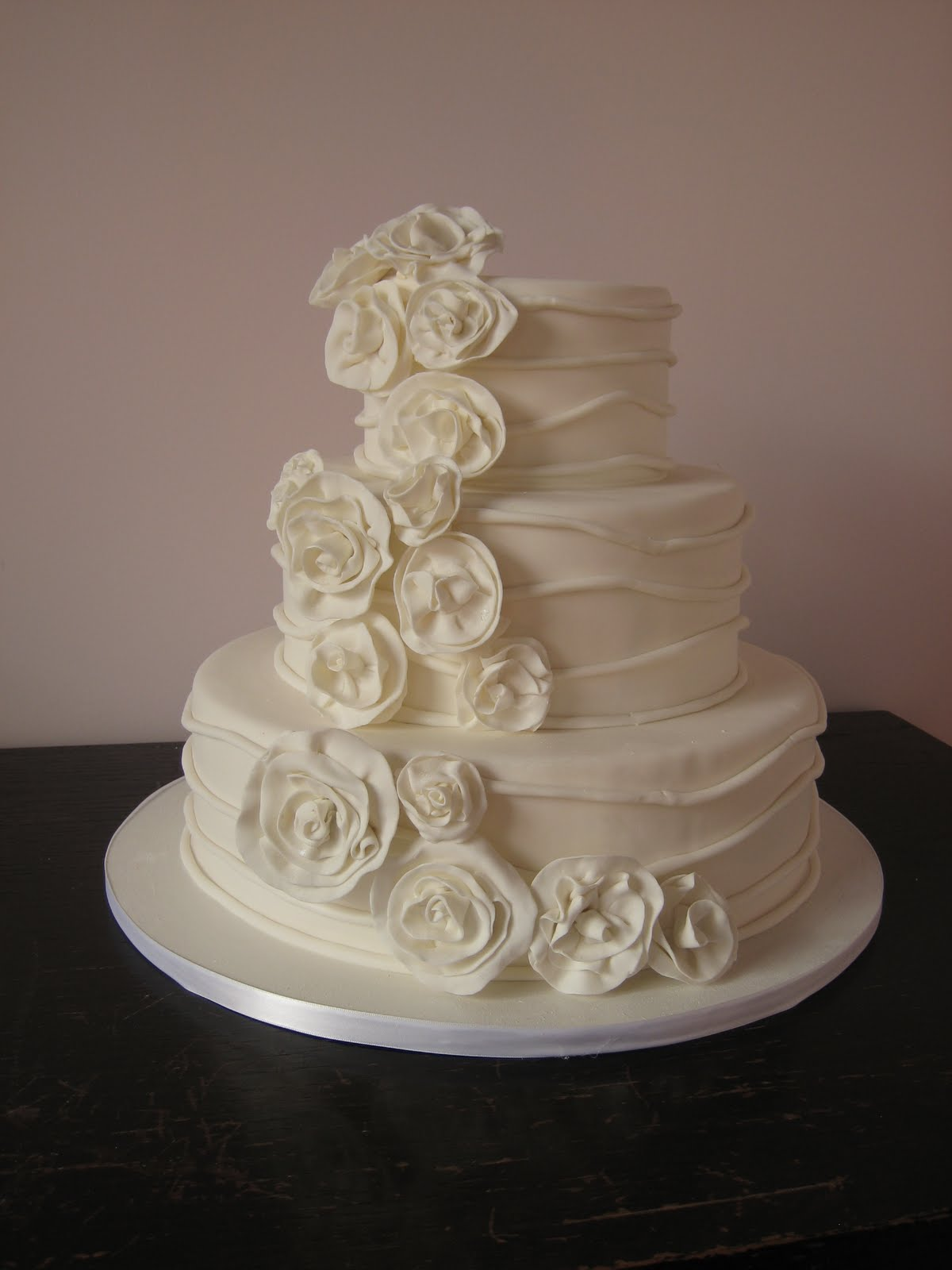 Elegant Wedding Cakes in