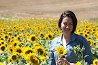 Hilary in Sunflower Field (July 2011, WineInProvence)