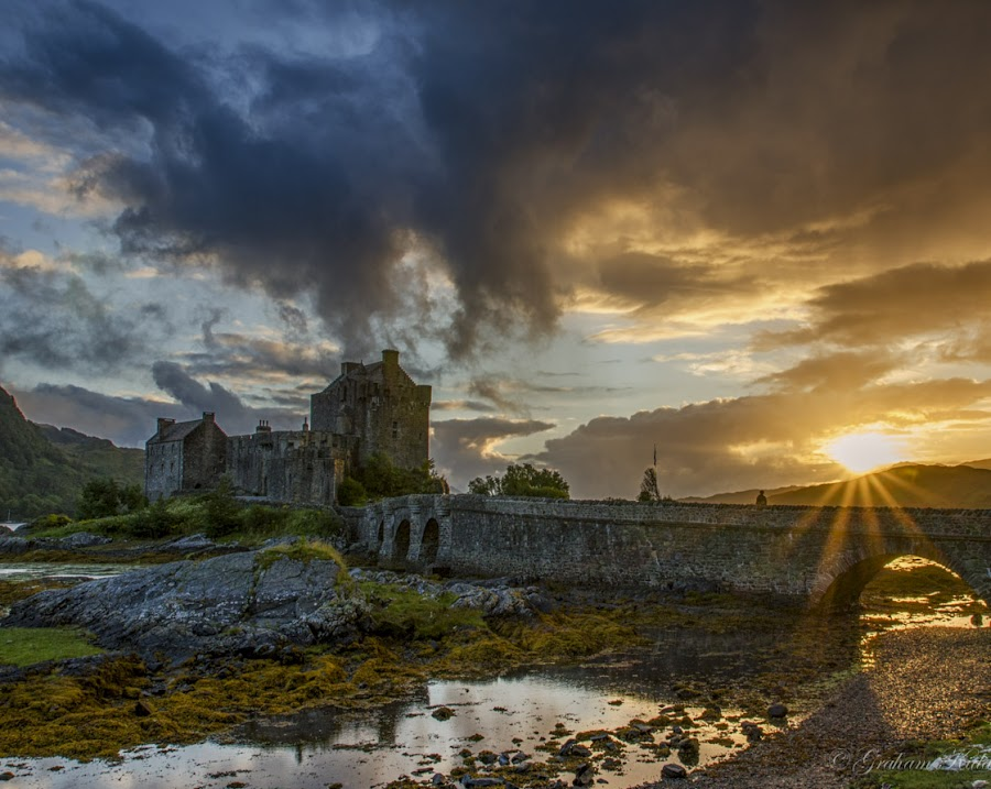 Eilean Donan sunset by Graham Kidd - Landscapes Sunsets & Sunrises ( water, clouds, sunset, castle )