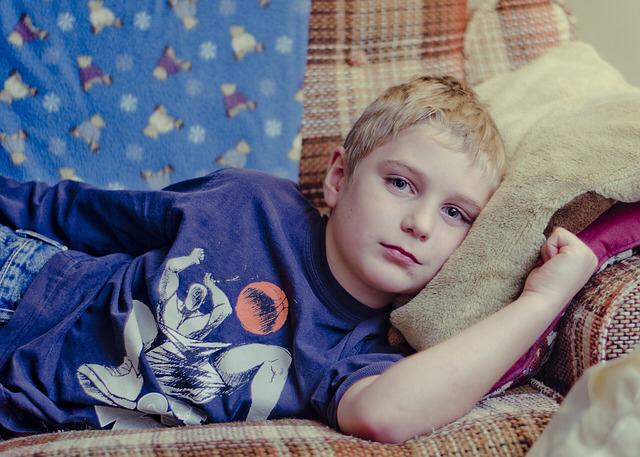 adolescentes-niño-cansado-comida-comer-quejas