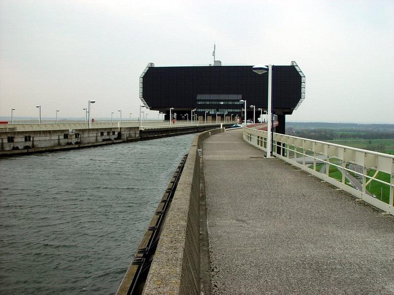 strepy-thieu-boat-lift-17