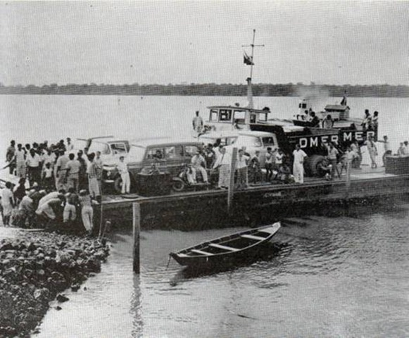 Attracco di una piccola imbarcazione a Mosqueiro - Belém do Parà