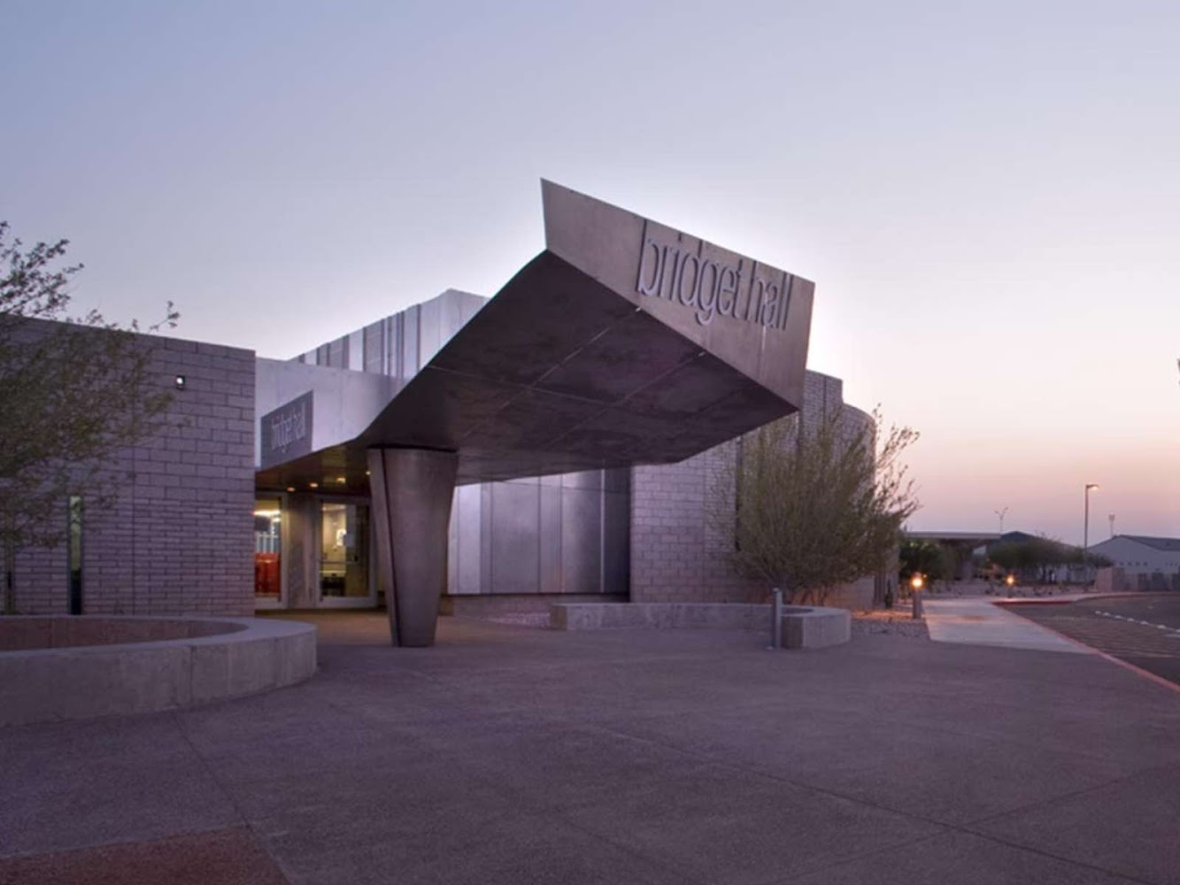 Mesa, Arizona, Stati Uniti: Bridget Hall by Will Bruder Architects