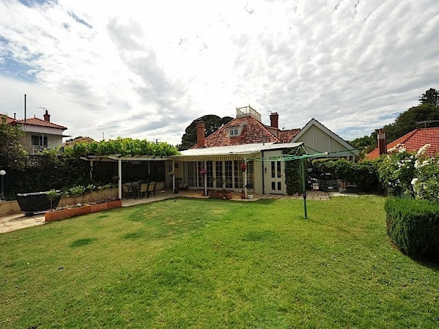external image image16%252520%252527Wedderburn%252527%25252015%252520Throssell%252520Street%252520Hyde%252520Park%252520Perth%252520WA.jpg