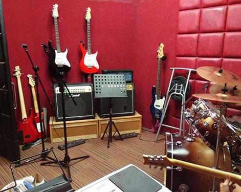 me-new-studio