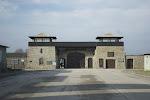 Dieses Tor sahen die Gefangenen, wenn sie nach hinten sahen, als sie hereinmarschierten (von Kaitlin Reeves)