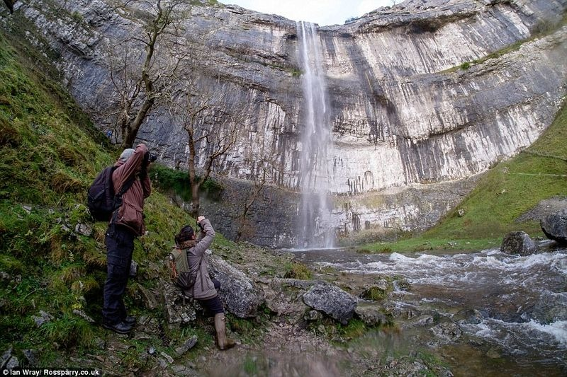 malham-cove-waterfall-6