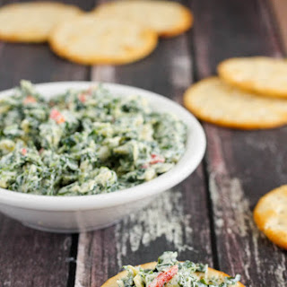Gluten-Free Skinny Spinach Artichoke Dip (made with greek yogurt)