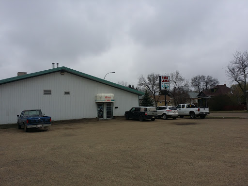 Tabb Lanes & Lounge, 5101 52 Ave, Camrose, AB T4V 4P2, Canada, Bowling Alley, state Alberta