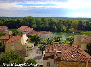 French Village Diaries family cycling Charente Maritime Poitou-Charentes river Charente Taillebourg