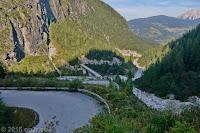 Forcella Lavardet (1549m). Die Strecke ist für den öffentlichen Verkehr per Schild gesperrt. Befahren auf eigene Gefahr!