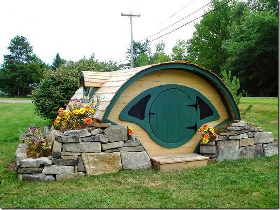 hobbit-hole-playhouse-1