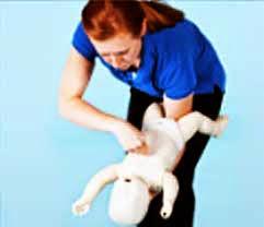 Tujahan dada bayi (5 kali).