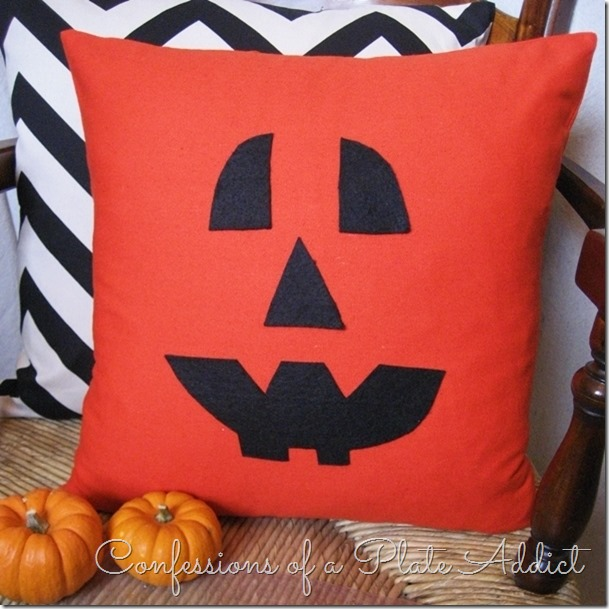 CONFESSIONS OF A PLATE ADDICT Easy Halloween Pillow...$5 in 5 Minutes2