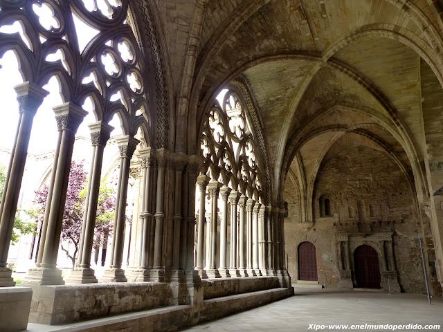 ventanales-catedral-lleida-seu-vella.JPG