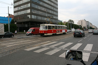 Hmm, poznato mi ovaj tramvaj izgleda
