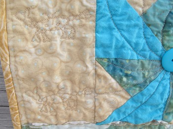 Pinwheels in the Sand ghost crab quilting