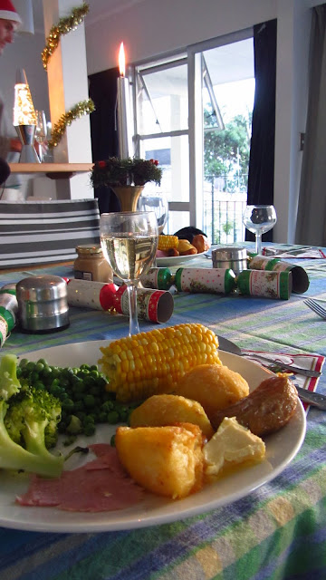 Christmas dinner at Seabeds Hostel in Paihia.