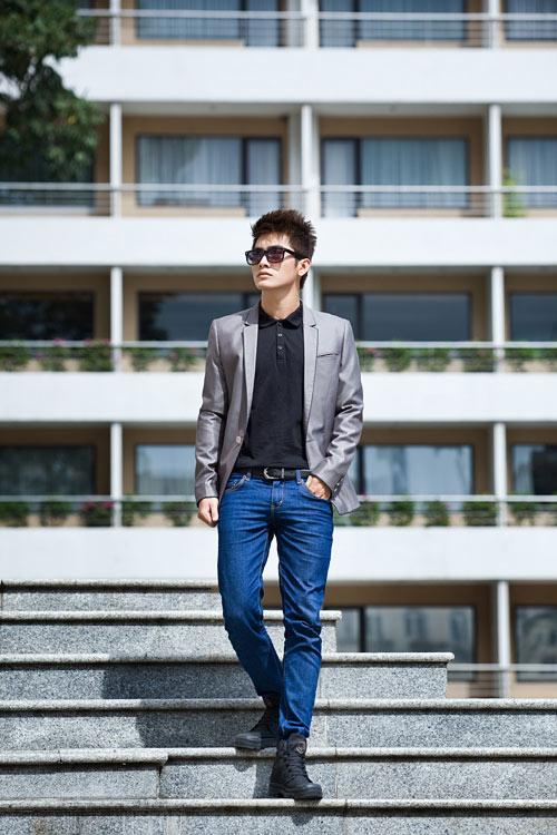 Chon ao vest nam dep de mac cung quan jeans  2