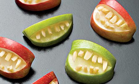 recetas-faciles-halloween-fruta-manzana-boca
